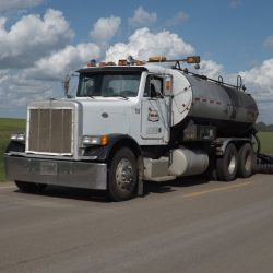 Highway fog coating is one of many ways used to rejuvenate an oxidized asphalt surface