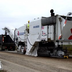 The RX900 is a state of the art milling machine that has the ability to profile roads using a 7'2 cutting drum or a 12'6 drum