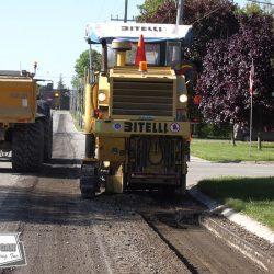 The Bitelli is a 1 meter mill used for tying asphalt overlays into curbs. It can also be used for butt joints or road widening